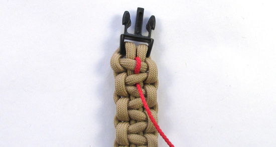 chain-stitched-paracord-bracelet-tutorial (7 of 15)