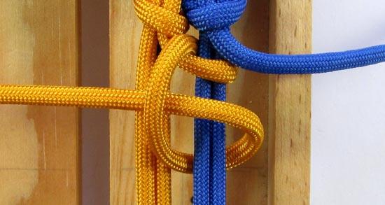 crossed-chain-sennit-paracord-bracelet-tutorial-18-of-28