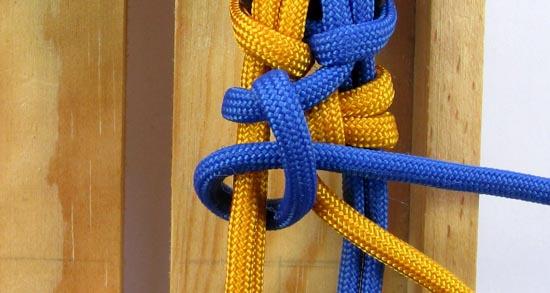 crossed-chain-sennit-paracord-bracelet-tutorial-21-of-28
