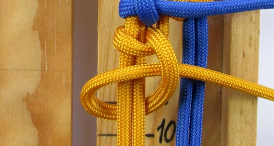 crossed-chain-sennit-paracord-bracelet-tutorial-24-of-28