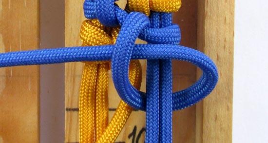 crossed-chain-sennit-paracord-bracelet-tutorial-27-of-28