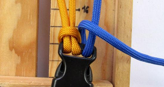 crossed-chain-sennit-paracord-bracelet-tutorial-6-of-28