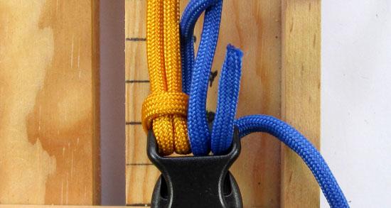 crossed-chain-sennit-paracord-bracelet-tutorial-7-of-28