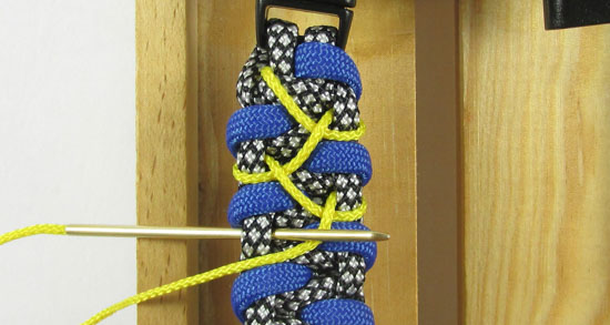 stitched-caged-solomon-paracord-bracelet-tutorial-10-of-13
