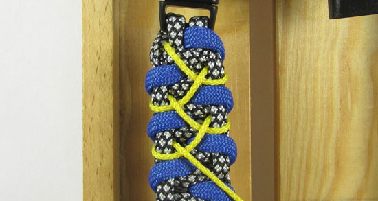 stitched-caged-solomon-paracord-bracelet-tutorial-11-of-13
