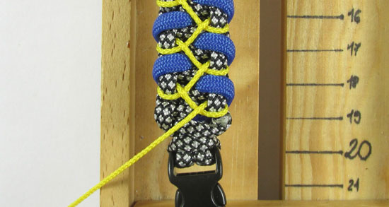 stitched-caged-solomon-paracord-bracelet-tutorial-12-of-13