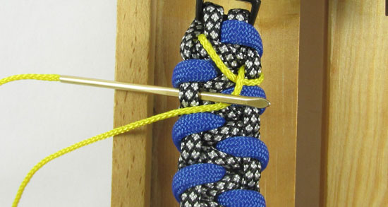 stitched-caged-solomon-paracord-bracelet-tutorial-6-of-13
