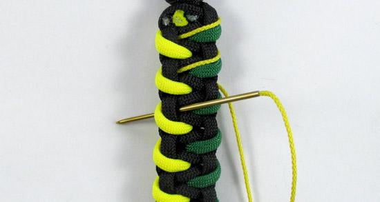 stitched-caged-solomon-paracord-bracelet-v2-tutorial-11-of-19